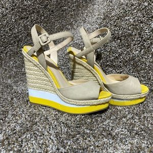 Elle Platform Wedge Sandals in size 6.5
